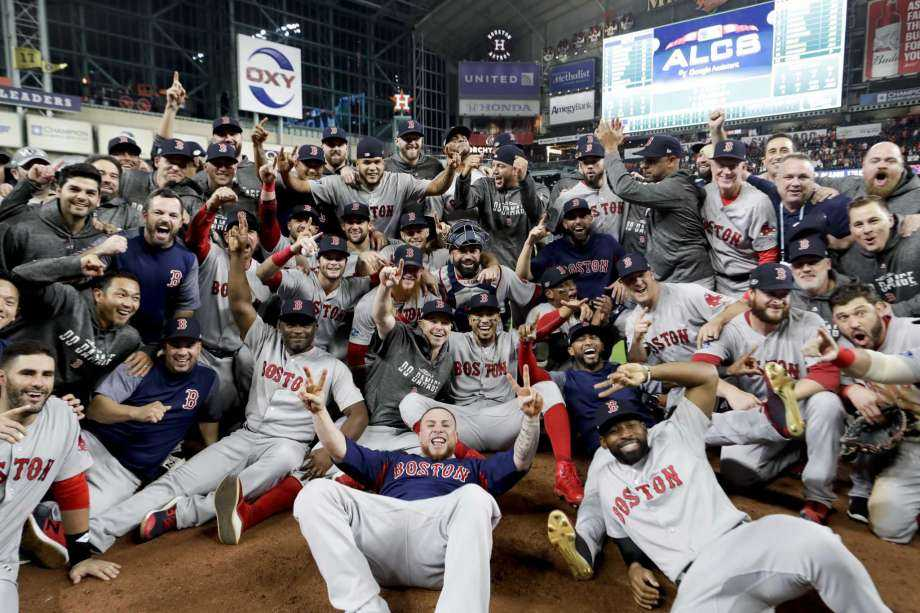 THE RED SOX ARE GOING BACK TO THE WORLD SERIES! DO DAMAGE