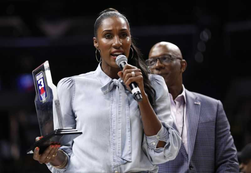 Women coach in the WNBA