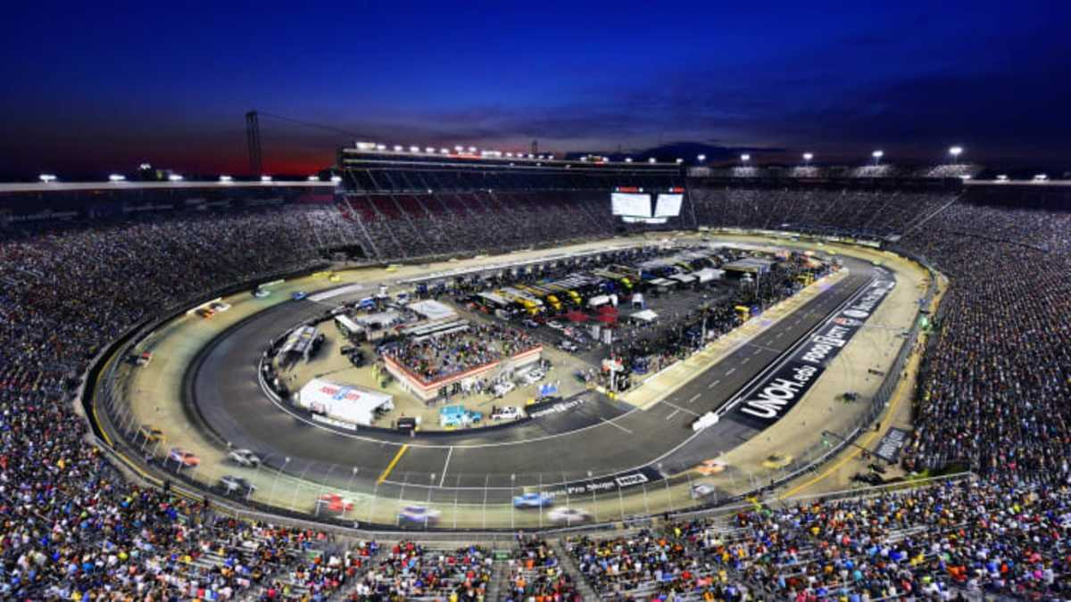 race day picks for the food city 500