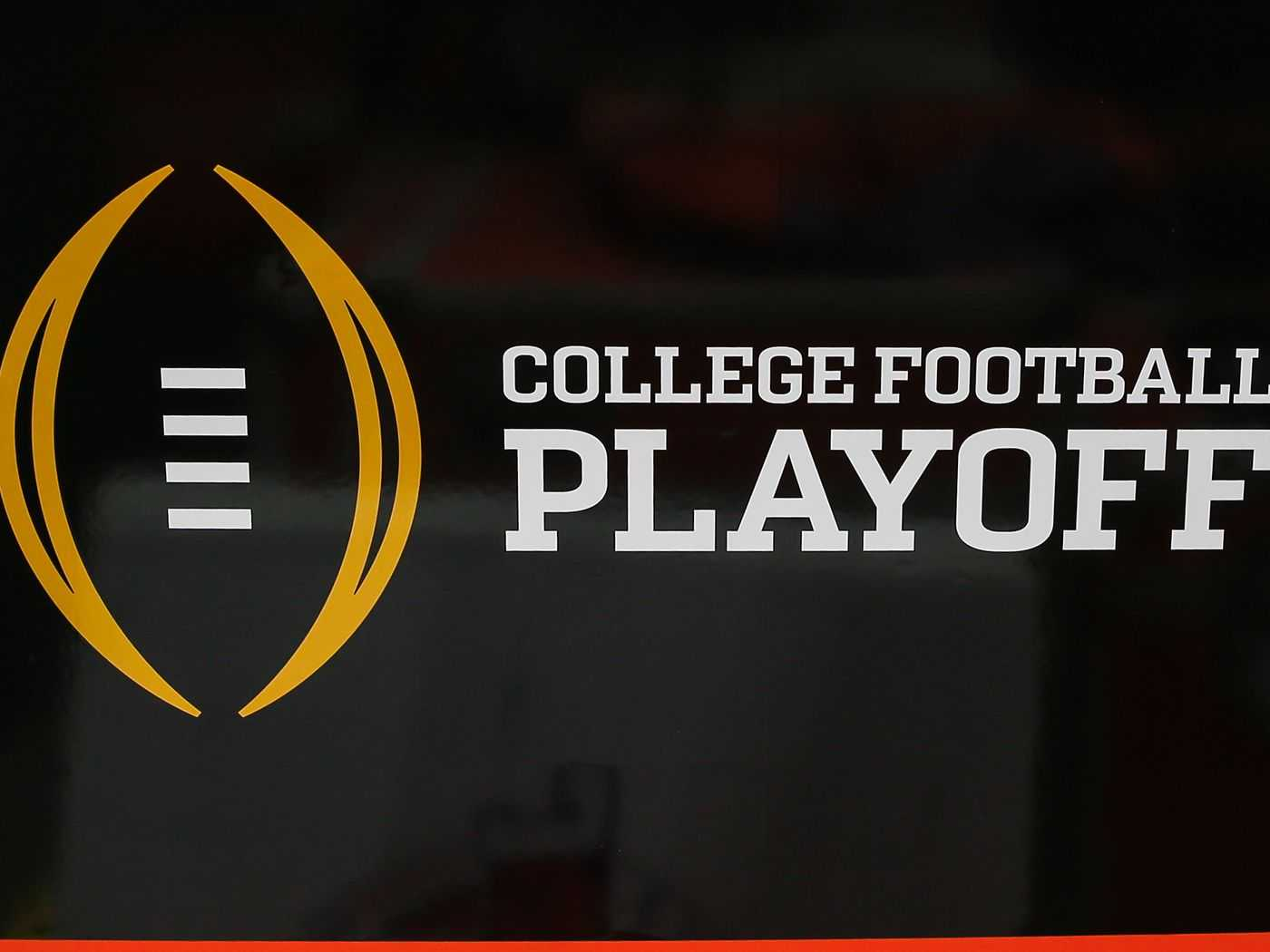 Expand the College Football Playoff