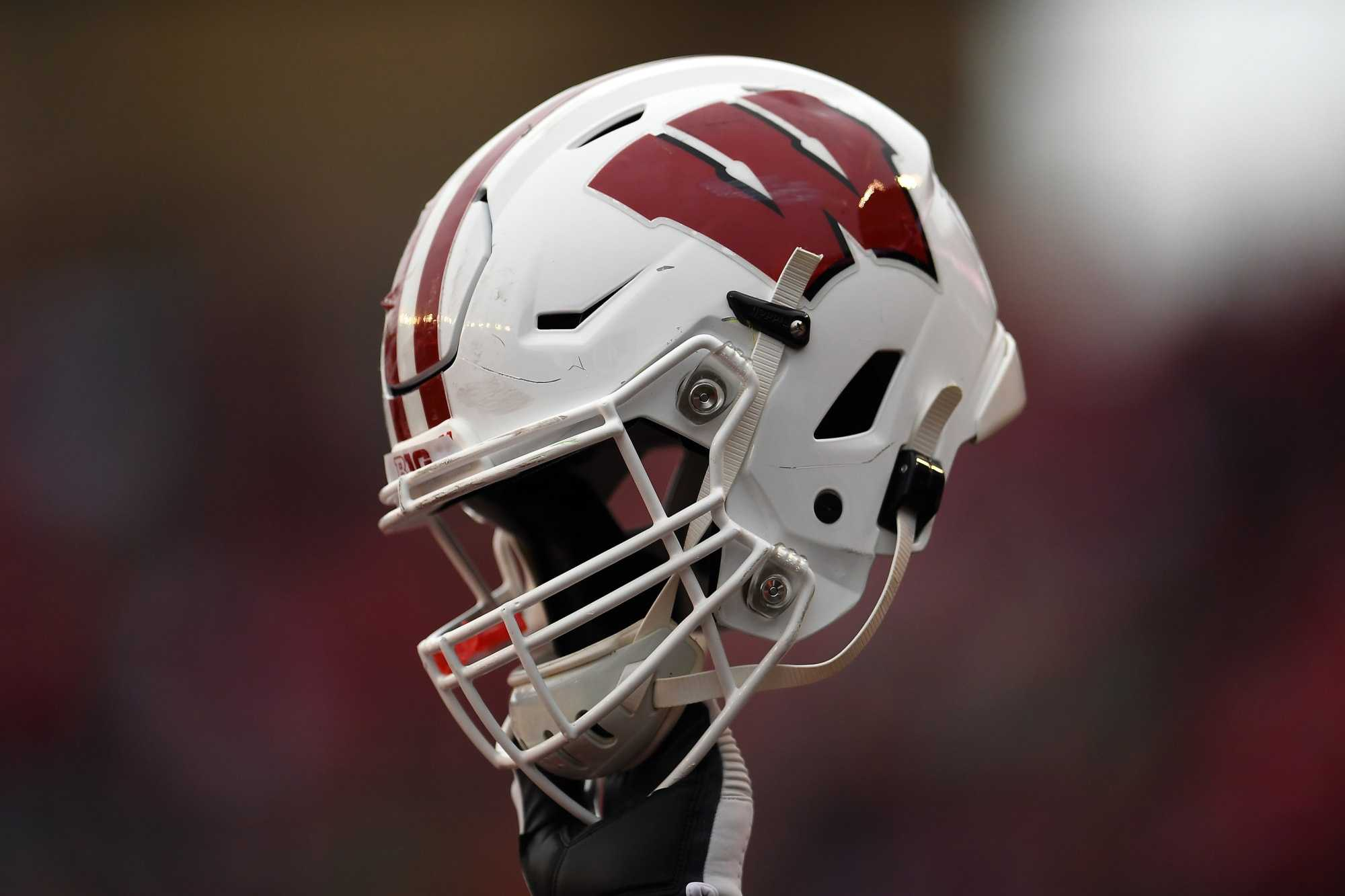 Wisconsin Badgers Football Too Early 2021 Schedule Predictions