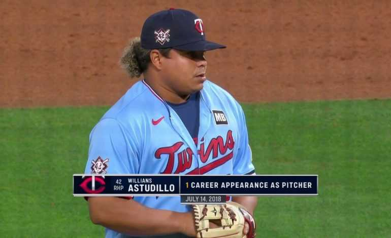I Need More Willians Astudillo Pitching and I need it Stat!!