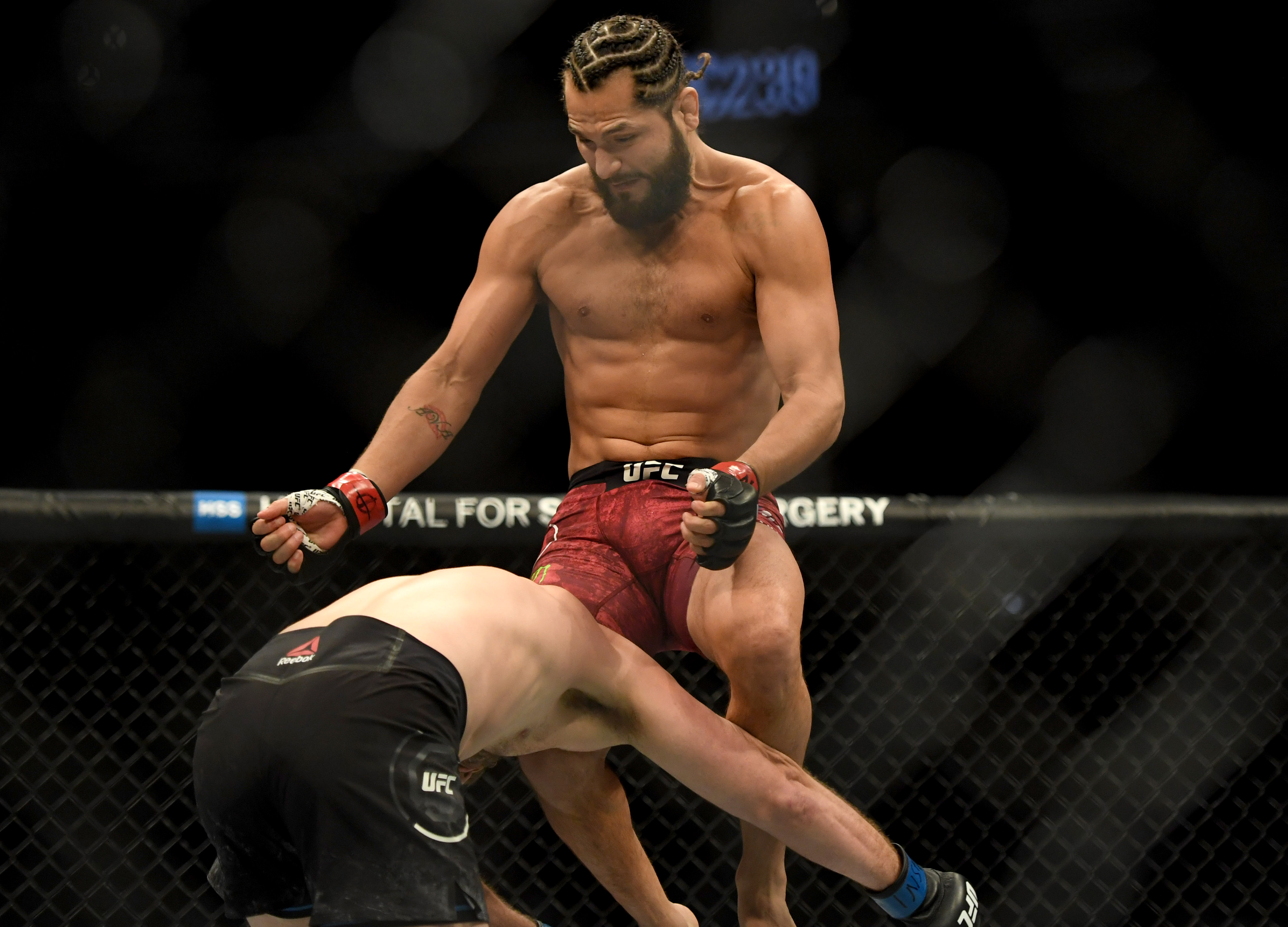 Ben Askren flying knee to head Jorge Masvidal