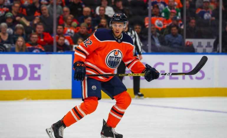 Blackhawks trade Duncan Keith for Jones…Caleb Jones